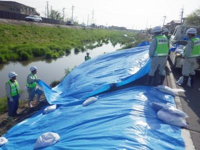 河川の緊急補修